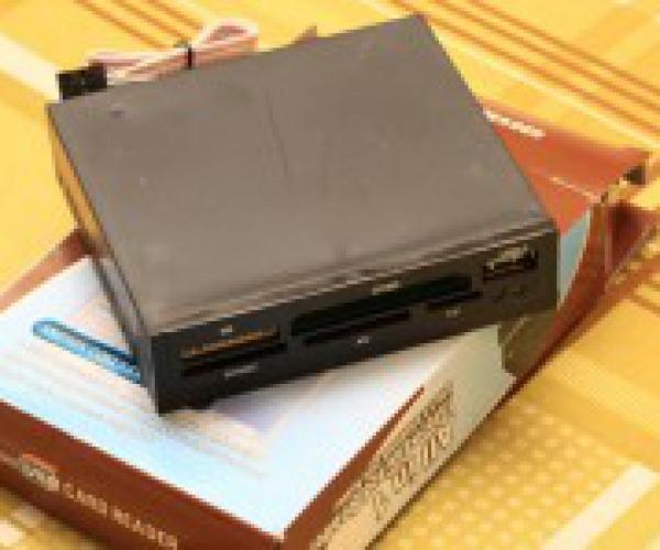 Đầu đọc thẻ nhớ all in one cho CPU máy tính